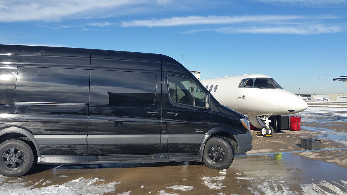 airport-bline-xpress-limo-vail-aspen