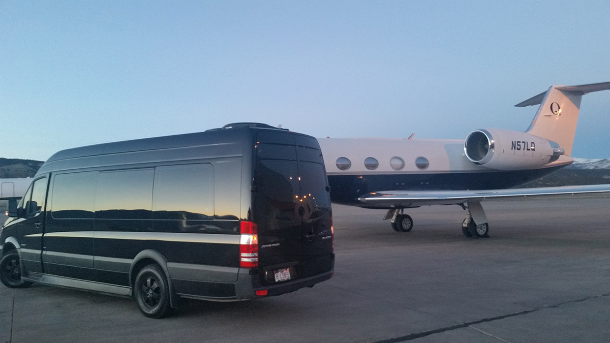 airport-limo-vail-valley-jet-center